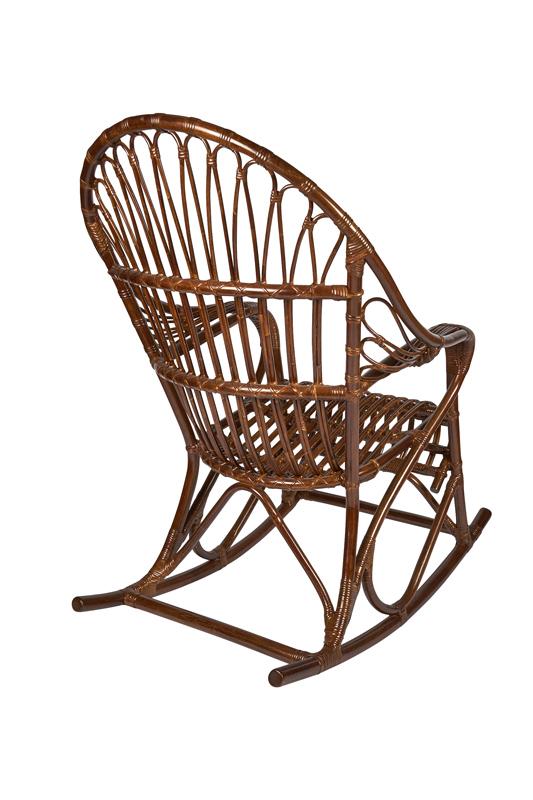 schommelstoel van rotan