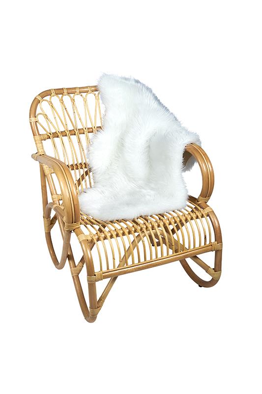 Rotan stoel Belse acht met vacht