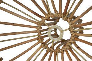 binnenzijde van de rotan lamp